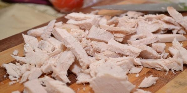 Ekşi krema ile salata ve onsuz