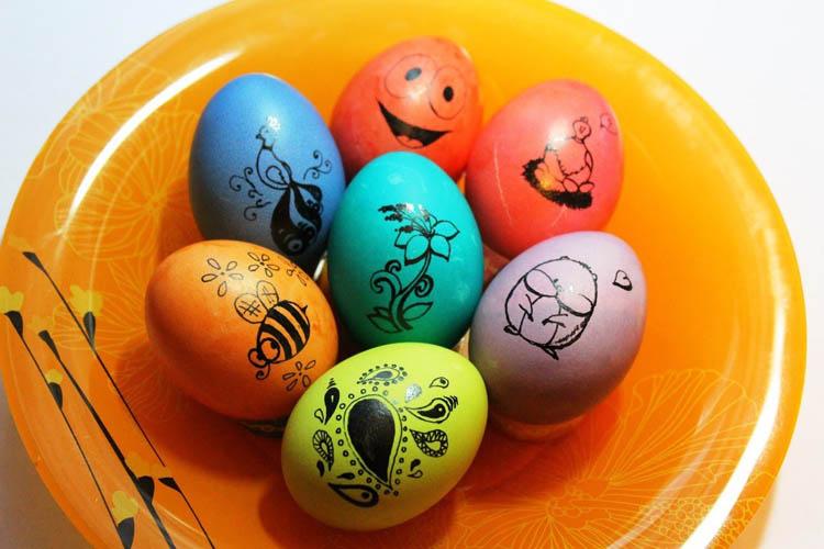 Bir Bezle Yumurta Nasıl Renklendirilir Paskalya Için Yumurta