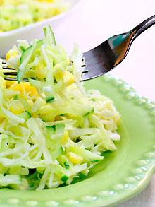 Kore havuçu ve fasulye ile nasıl salata hazırlarsınız