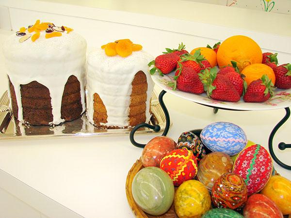 İyi bir ev hanımı için lezzetli bir paskalya pastası reçetesi