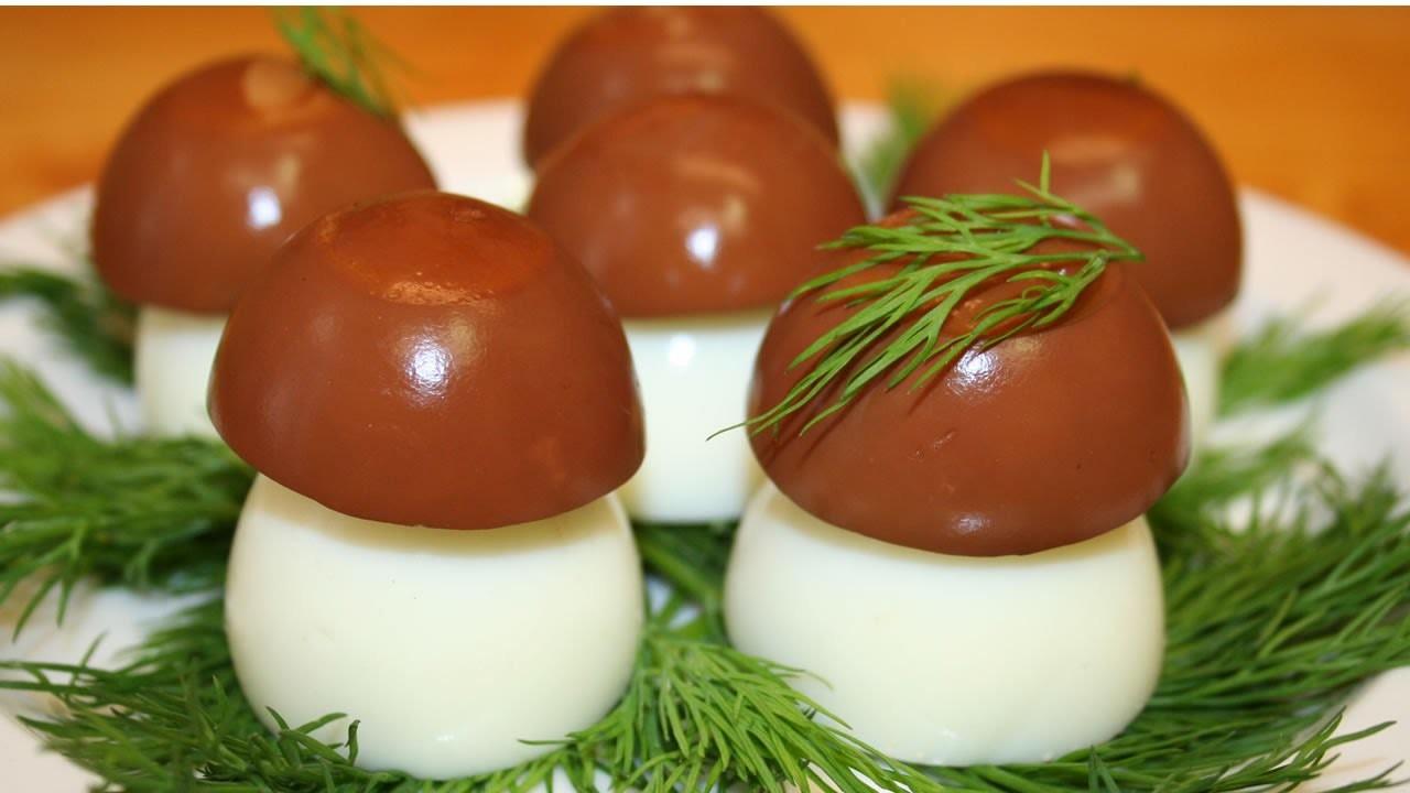 Как сделать из яйца грибок
