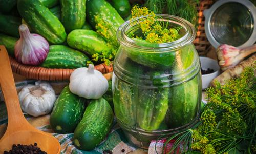 Kışın kavanozlarda salatalık toplama: ilginç tarifler